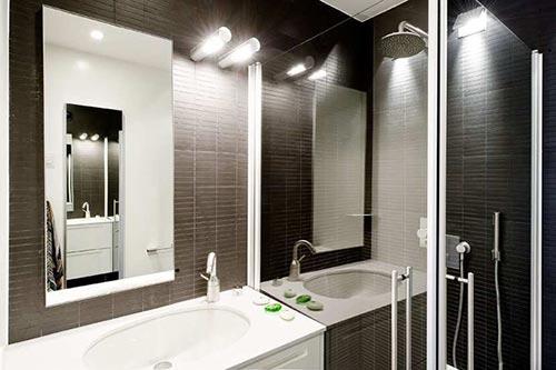 Zwarte keuken in zweedse penthouseinterieur inrichting interieur inrichting - Kleine badkamer zen ...