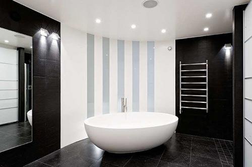 Zwarte badkamer van zweedse penthouse interieur inrichting - Sfeer zen badkamer ...