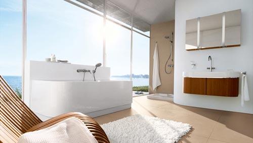 Luxe badkamer met uitzicht