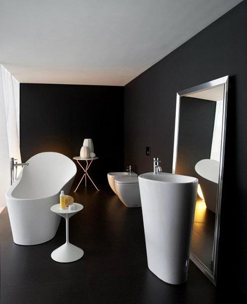 Zwarte badkamer van laufen interieur inrichting - Badkamer zwarte vloer ...