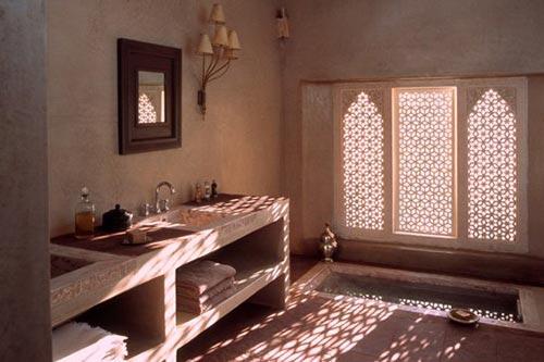 Marokkaanse badkamer van ksar char bagh hotel interieur for Salle de bain en tadelakt