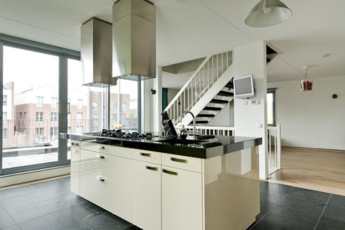 Moderne woning interieur van Flip house : Interieur inrichting