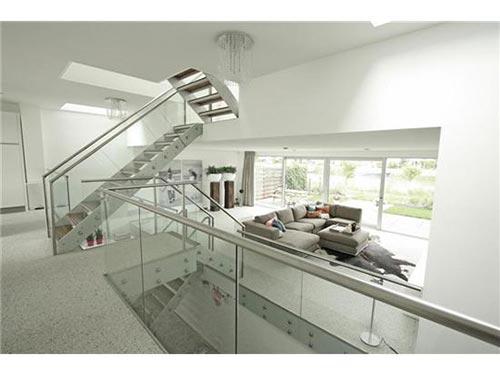 Moderne open interieur villa verkocht in Amsterdam