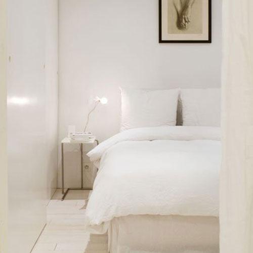 Serene slaapkamer van ontwerpster Johanne Riss