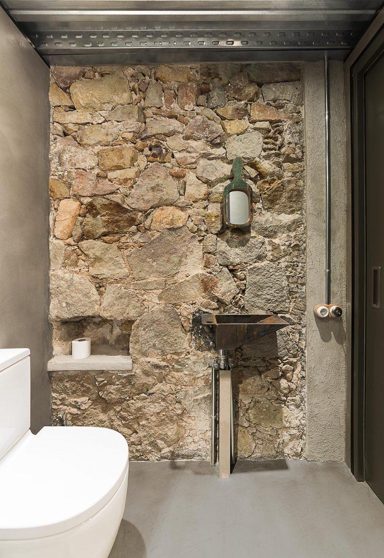 apart toilet in een stoere badkamer | interieur inrichting, Badkamer