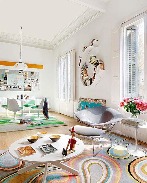 elegant appartement in barcelona met vrolijke interieur kleuren with een vrolijk en open interieur in een appartement