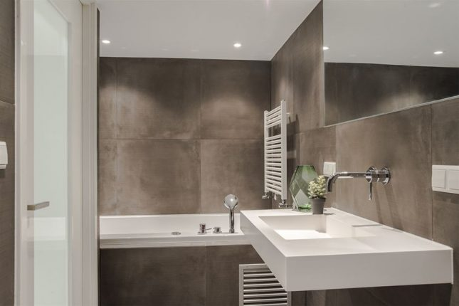 Kleine badkamer inrichting van 6m2 interieur inrichting - Deco kleine badkamer met bad ...