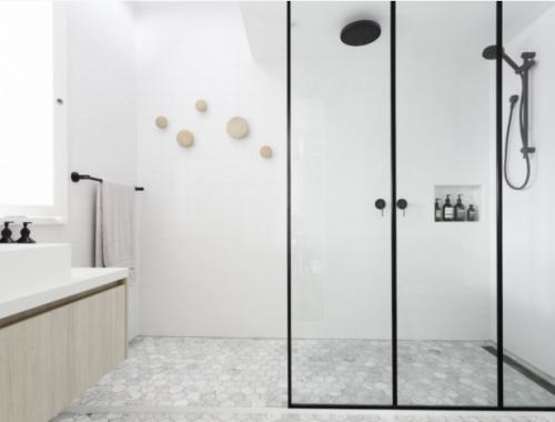 Hout en beton in badkamer ontwerp interieur inrichting