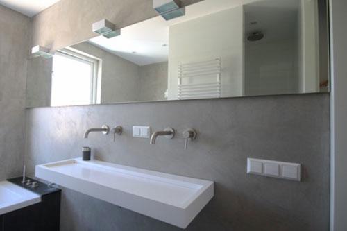 Badkamer kraan uit de muur