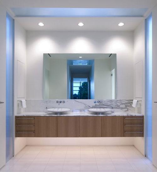 http://www.interieur-inrichting.net/afbeeldingen/badkamer-verlichting-ideeen.jpg