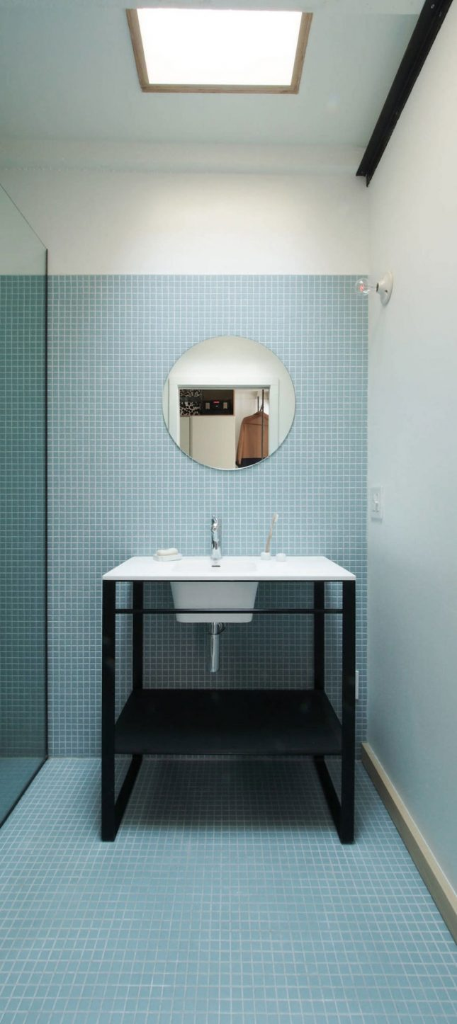 Badkamers voorbeelden mozaïek tegels blauw