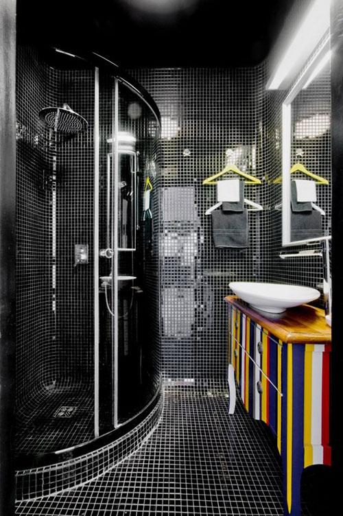 Badkamers voorbeelden mozaïek tegels zwart