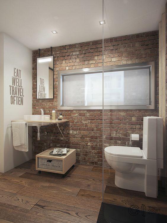 Bakstenen muur in badkamer