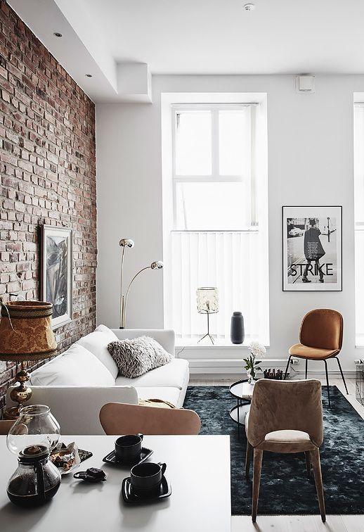 Bakstenen muur in woonkamer