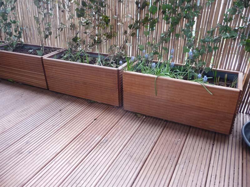 balkon planten houten plantenbakken