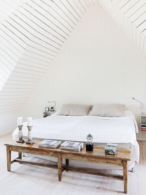 Bank aan uiteinde van het bed