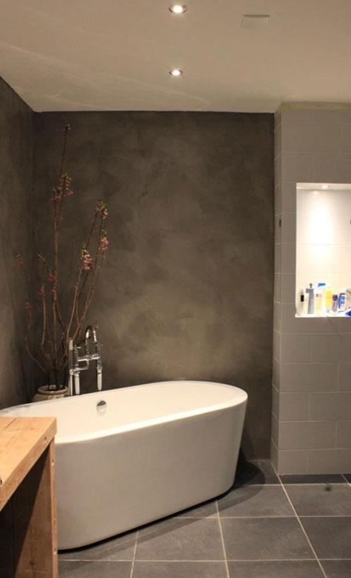 betonlook badkamer muur