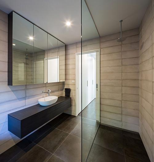 Betonlook tegels in badkamer