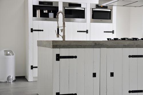 Werkblad Keuken Hout : Wit en beton doen het samen ook erg goed. Hieronder zijn twee perfecte
