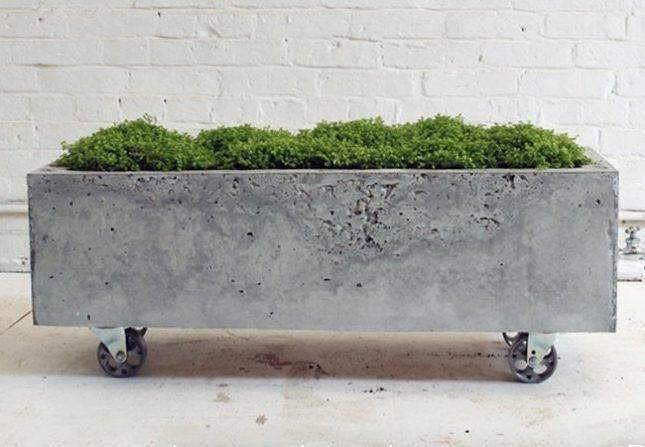 Betonnen plantenbak op wielen maken