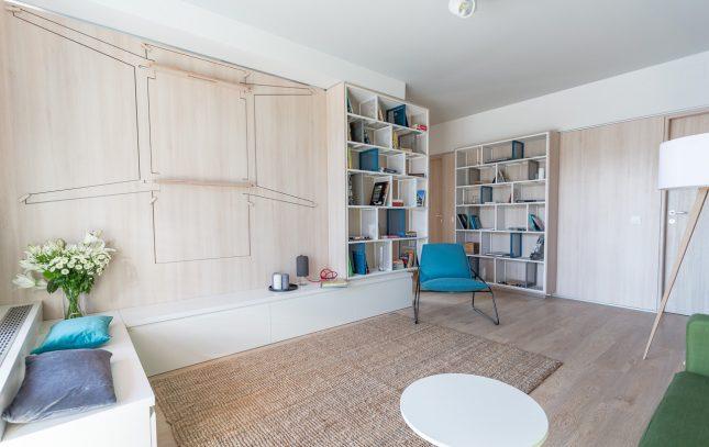 Bijzondere inklapbare tafel in de woonkamer