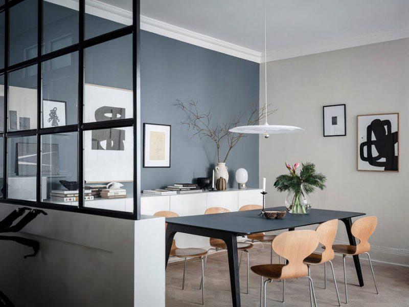 blauwe en grijze muur combineren
