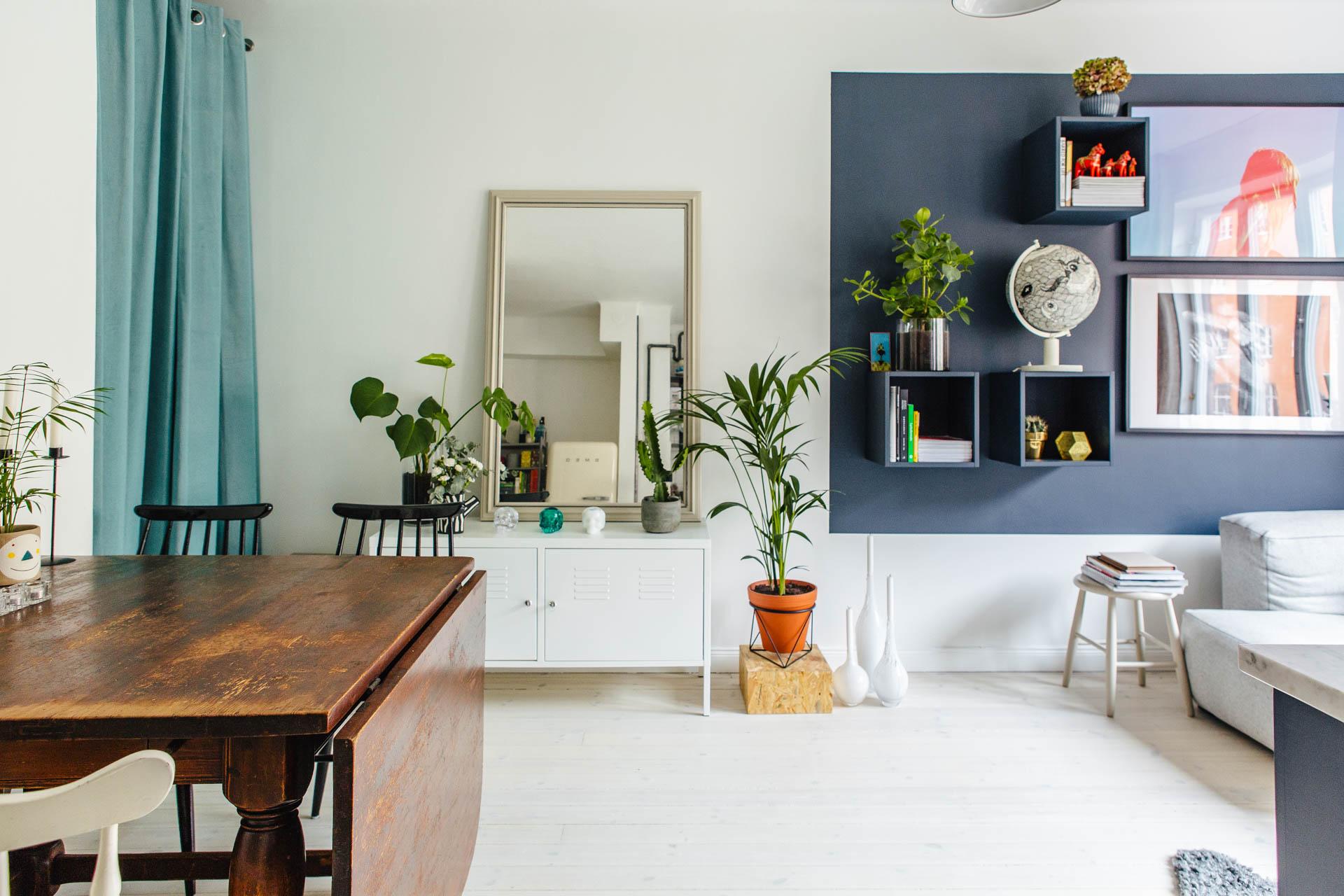 Klein maar super stoer speels en praktisch ingericht appartementinterieur inrichting - Bijvoorbeeld vlak badkamer ...
