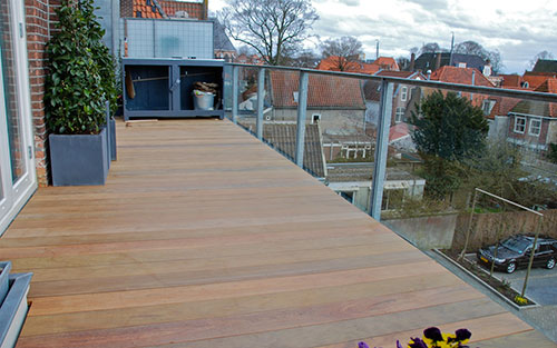 Extreem Buitenparket op het balkon | Interieur inrichting DE39