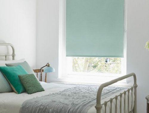 Rolgordijnen Slaapkamer 91 : Je slaapkamer éxtra donker maken door verduisterende rolgordijnen