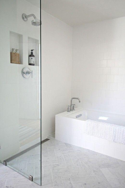 Chique badkamer makeover door interieurstylist Kirsten