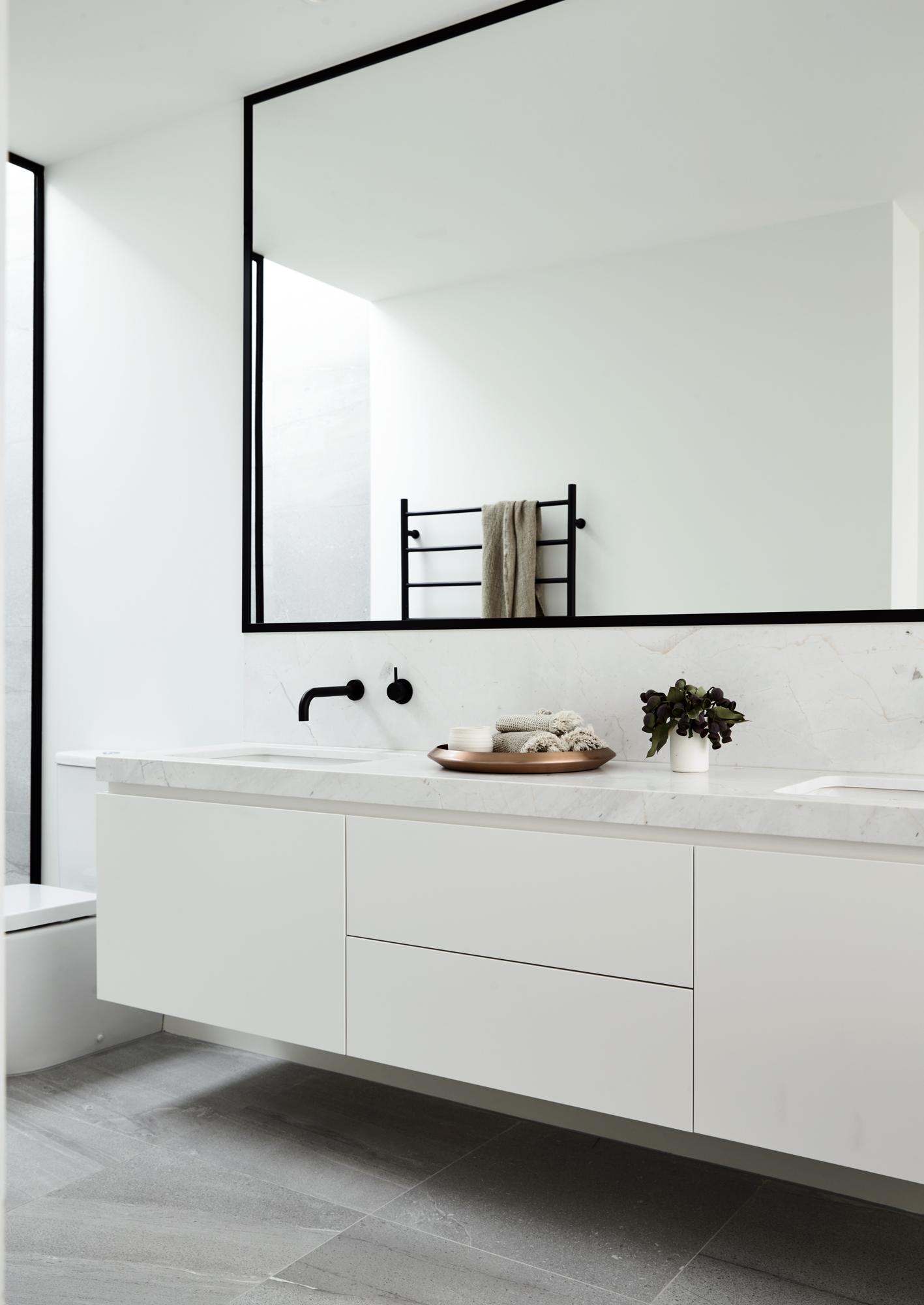 Comfortabele luxe badkamer door architectenbureau canny interieur inrichting - Luxe badkamer design ...