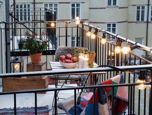 cozy-balcony-lighting-ideas