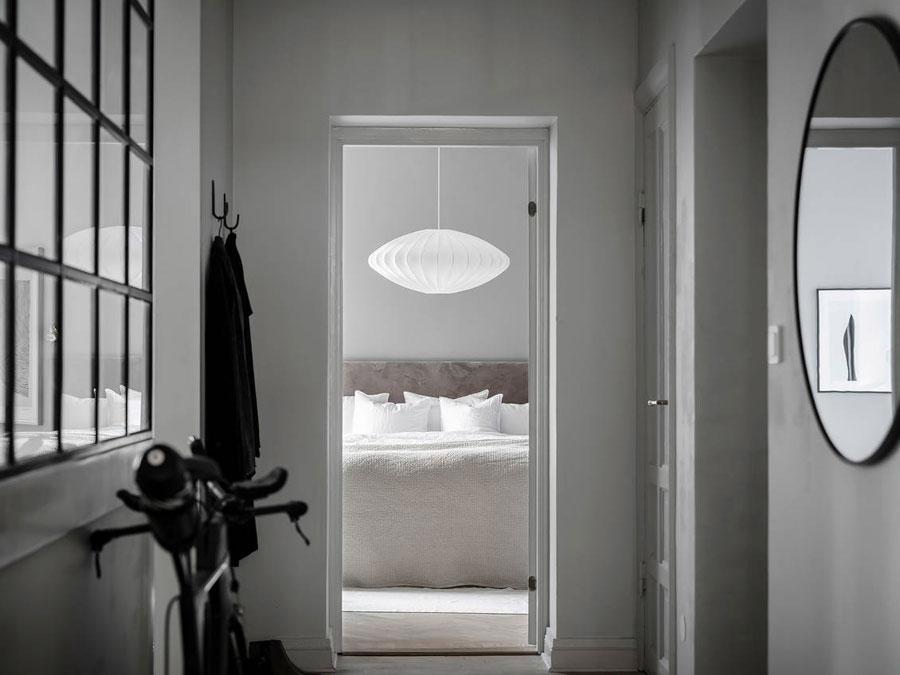 De glazen wand in deze hal is een heel goed idee!