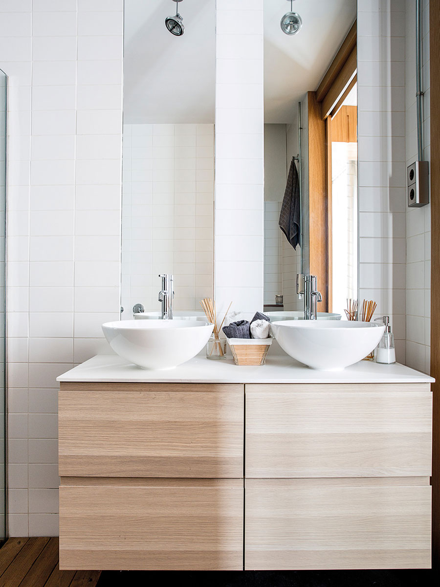 De moderne loft badkamer van architectenduo Syra en Joaquín