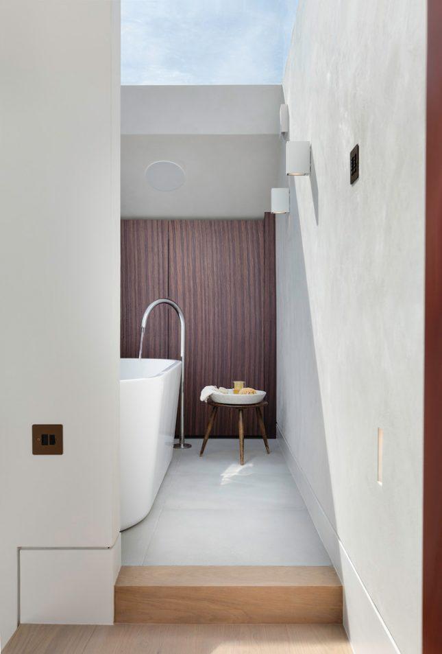 Design badkamers voorbeelden dakraam
