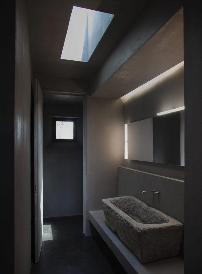 Design badkamers voorbeelden donker