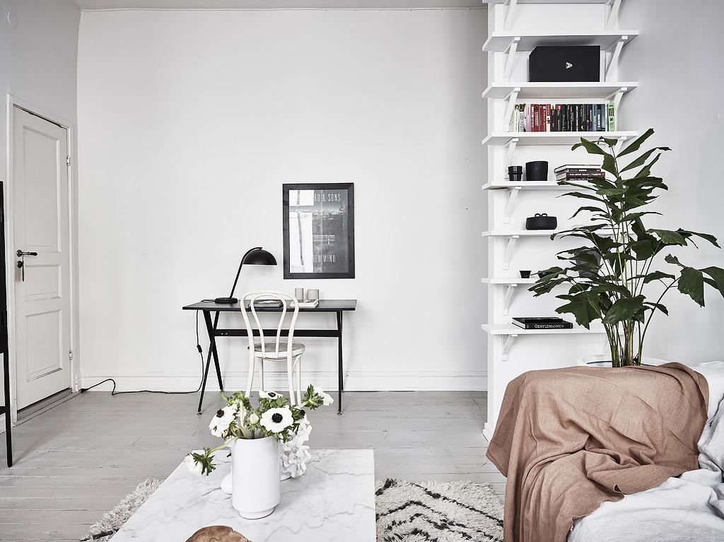 Deze kleine woonkamer is super fris en licht ingericht interieur inrichting - Kleine moderne woonkamer ...