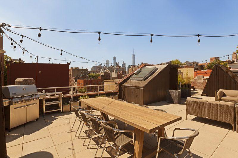 Dit dakterras van een loft uit New York heeft een tafeltennistafel!