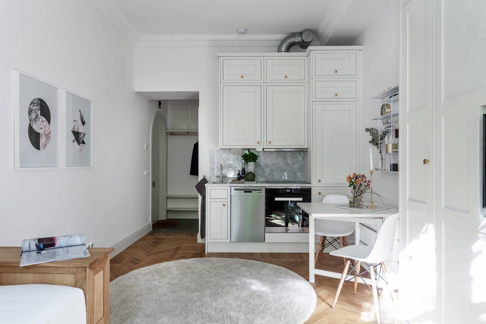 Dit kleine studio appartement van 23m2 is super leuk ingericht!