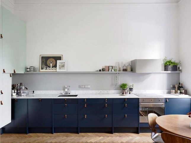 donkerblauwe keuken