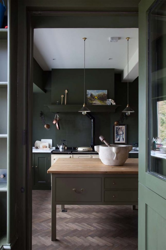 donkere groene keuken