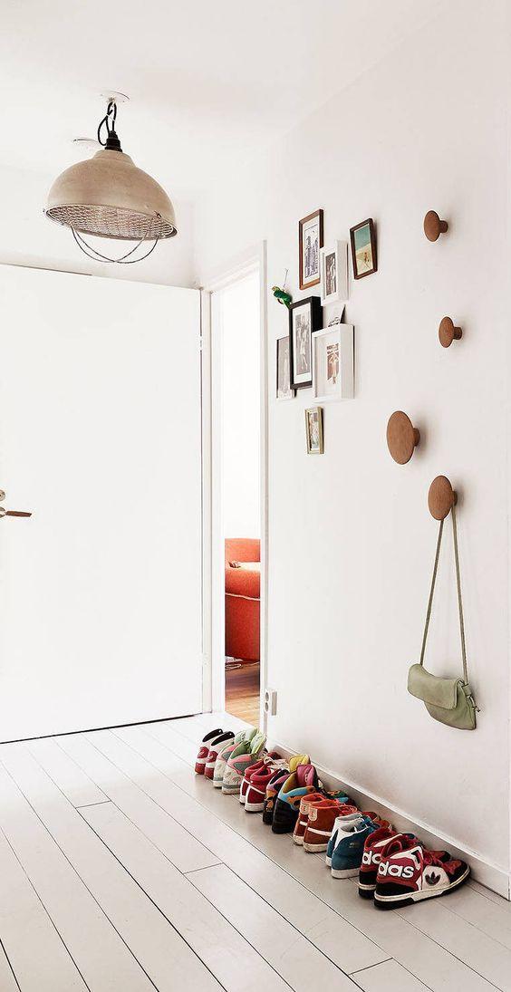 Dots haken van muuto interieur inrichting for Garderobe dots