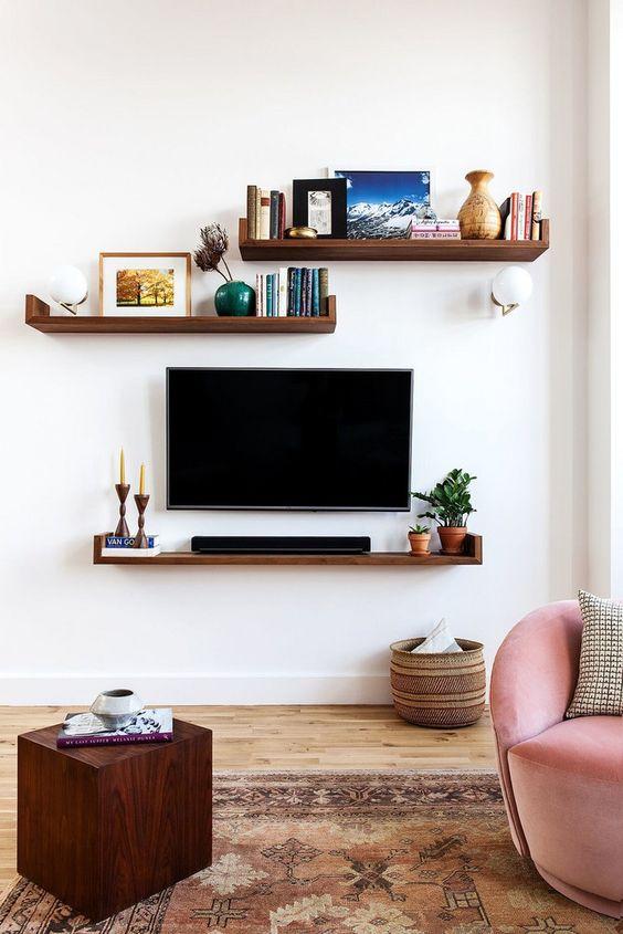 Tv Op Plank Aan Muur.18x Plank Als Tv Meubel Interieur Inrichting