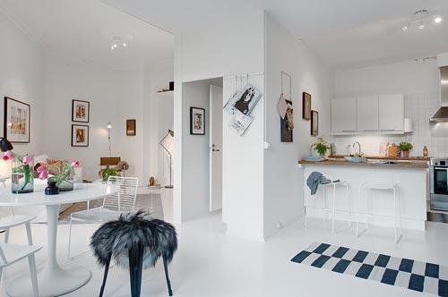 Driehoekige woonkamer van 1-kamer appartement