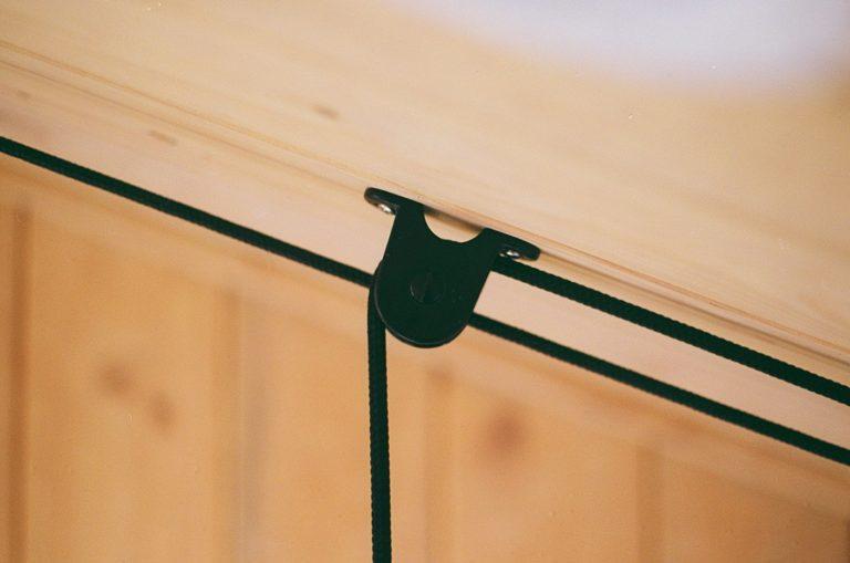 Droogrek aan het plafond
