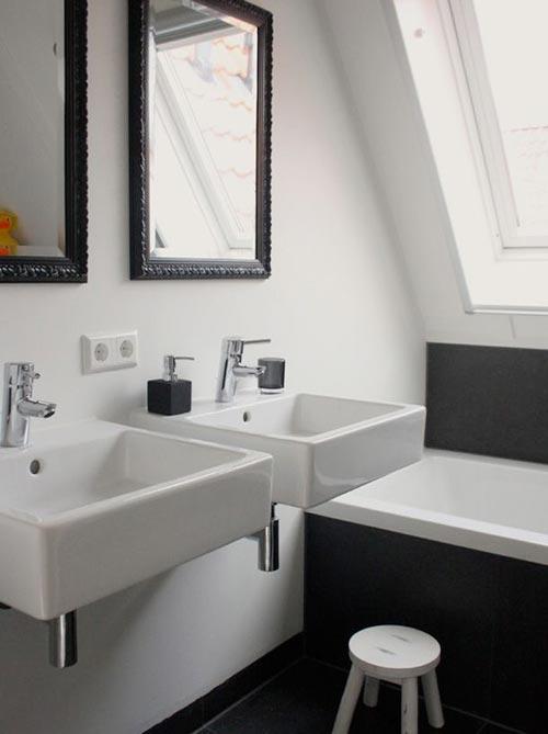 Dubbele wastafel in de badkamer interieur inrichting - Huis wastafel ...