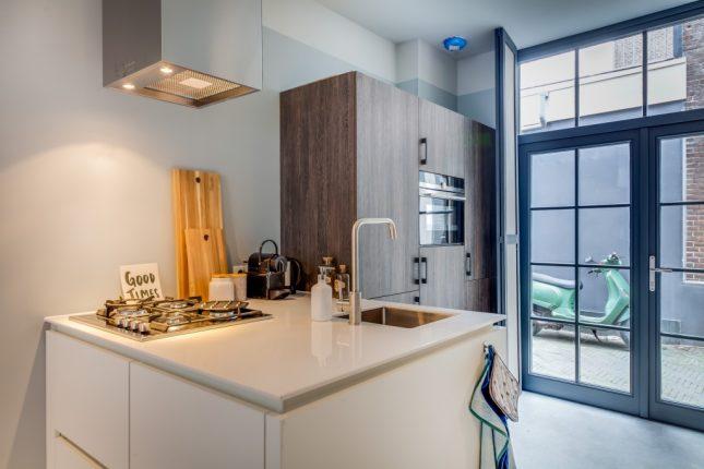 E n huis verbouwd naar drie kleine appartementen for Inrichting kleine woning