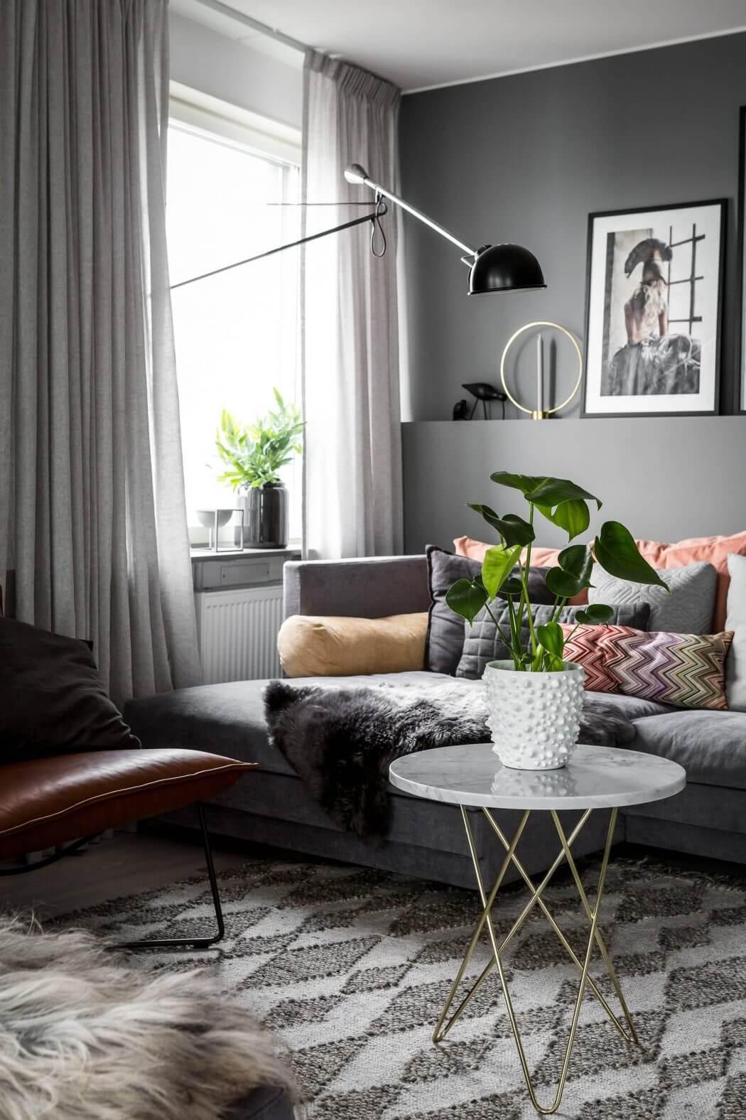 een-knus-ingericht-grijze-woonkamer-2