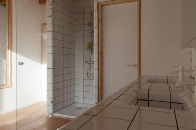 Energiezuinig badkamerontwerp interieur inrichting - Houten vloer hal bad ...