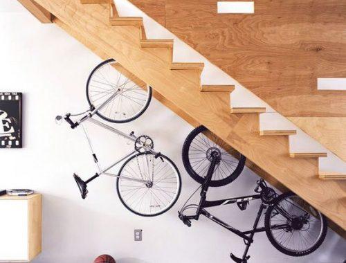 Fiets bij de trap